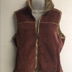 Woolrich Burgandy Corduroy Vest w/faux fur lining